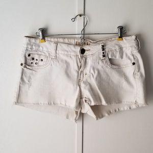 Decree Cream Denim Jean Shorts